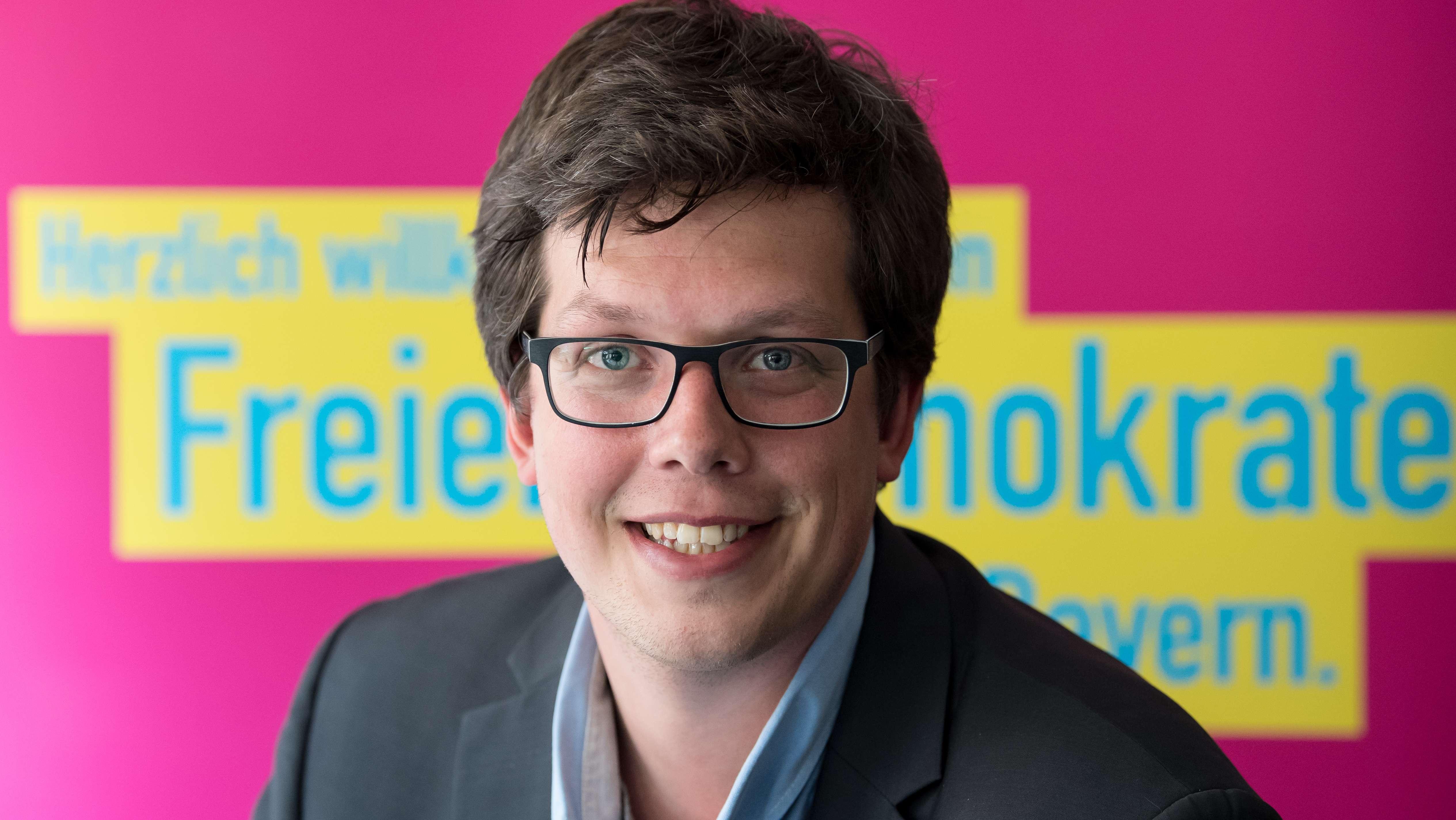 Der neue Bundestagsabgeordnete Lukas Köhler (FDP) aufgenommen am 26.09.2017 in der Bayern-FDP Zentrale in München (Bayern)