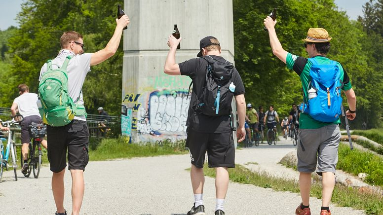 Diese Corona-Regeln gelten am Vatertag in Bayern | Bild:picture alliance / Martin Ley | Martin Ley