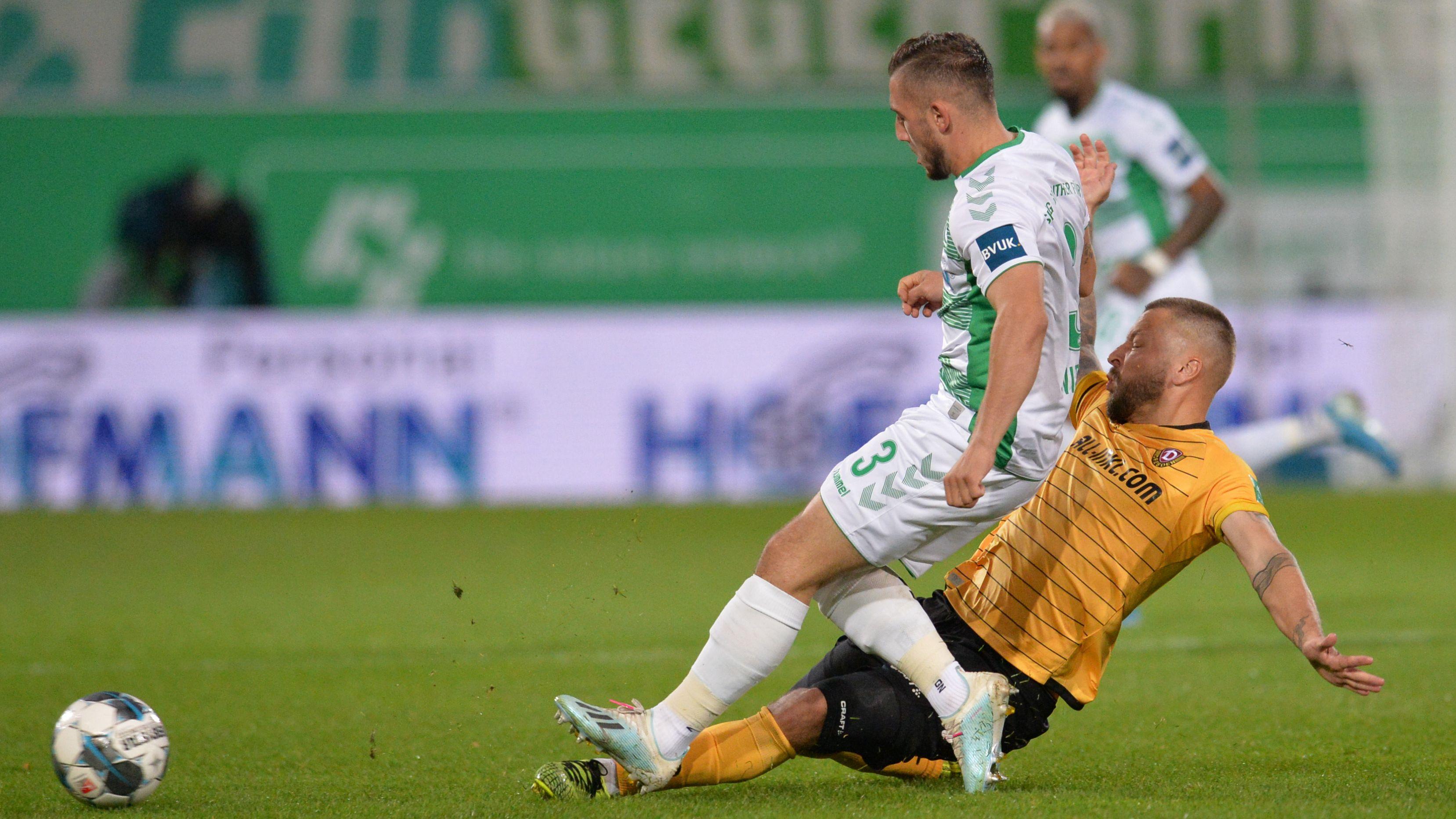 Spielszene SpVgg Greuther Fürth - Dynamo Dresden