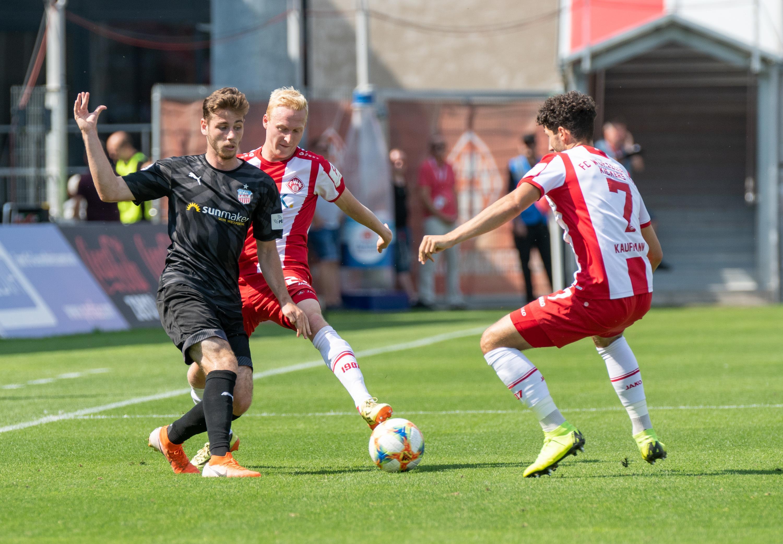 Spielszene Würzburger Kickers - FSV Zwickau
