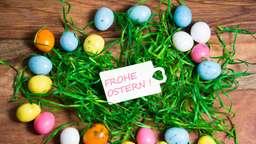 Zu Ostern freuen wir uns über bunte Ostereier. | Bild:colourbox.com