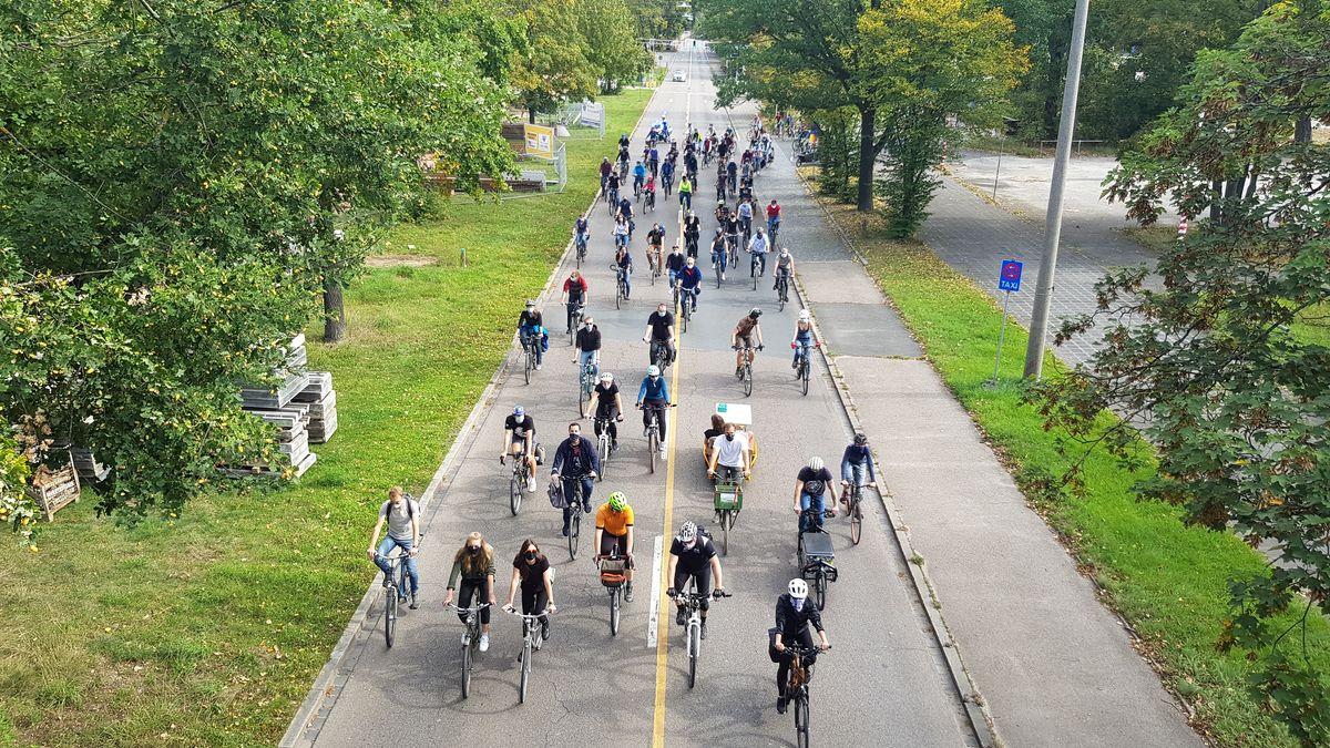 Fahrradfahrer auf einer Demo