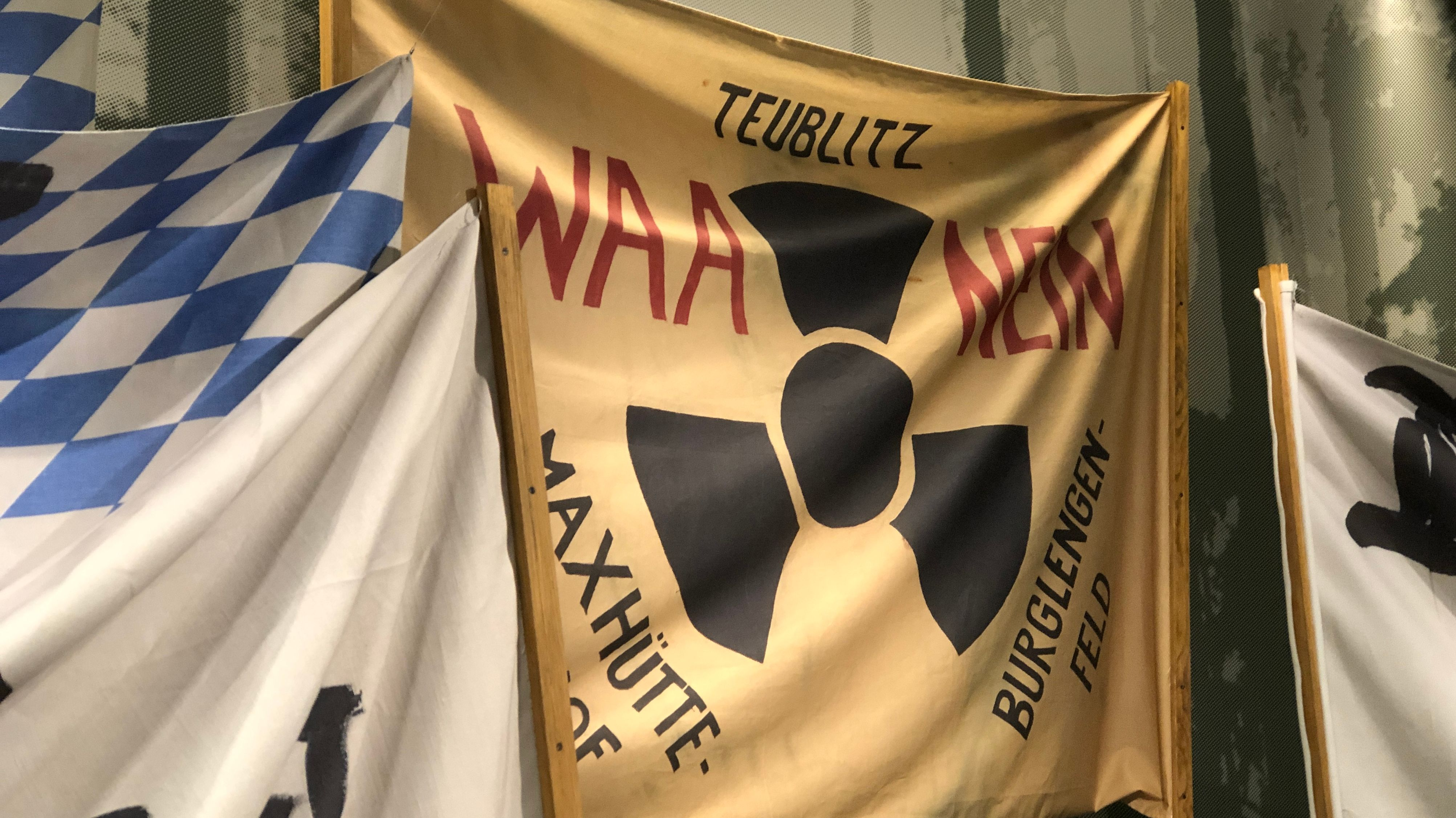 Mit diesem Transparent sind WAA-Gegner auf die Straße gegangen.
