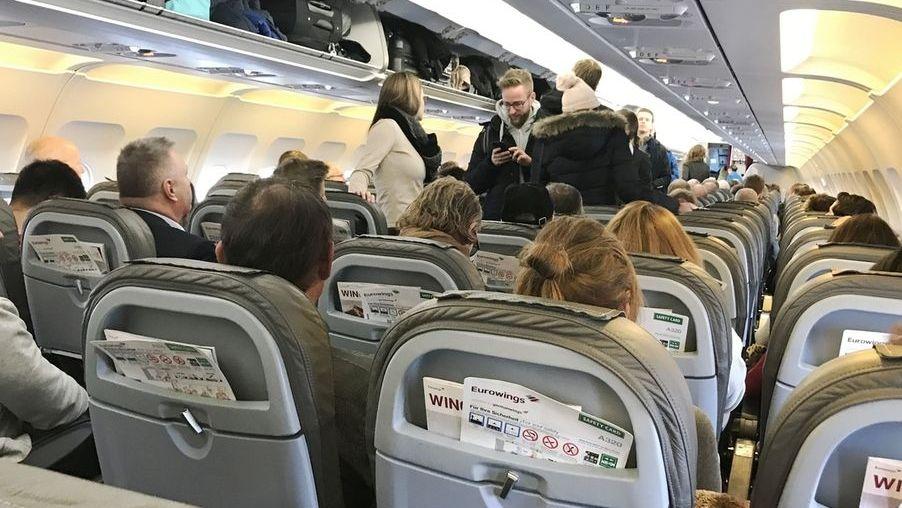 Blick in eine Flugkabine