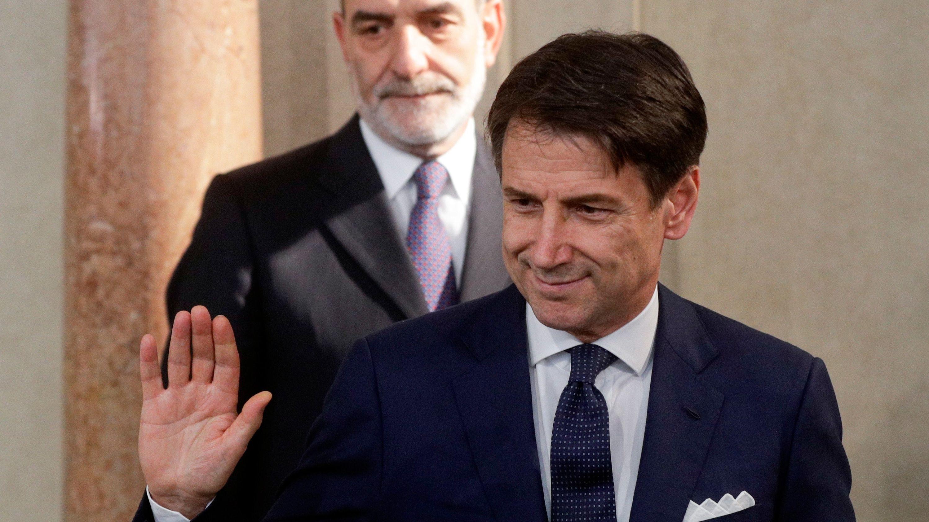 Giuseppe Conte, Ministerpräsident von Italien, trifft am Quirinalspalast Journalisten. Conte traf sich zuvor mit Staatspräsident Mattarella.
