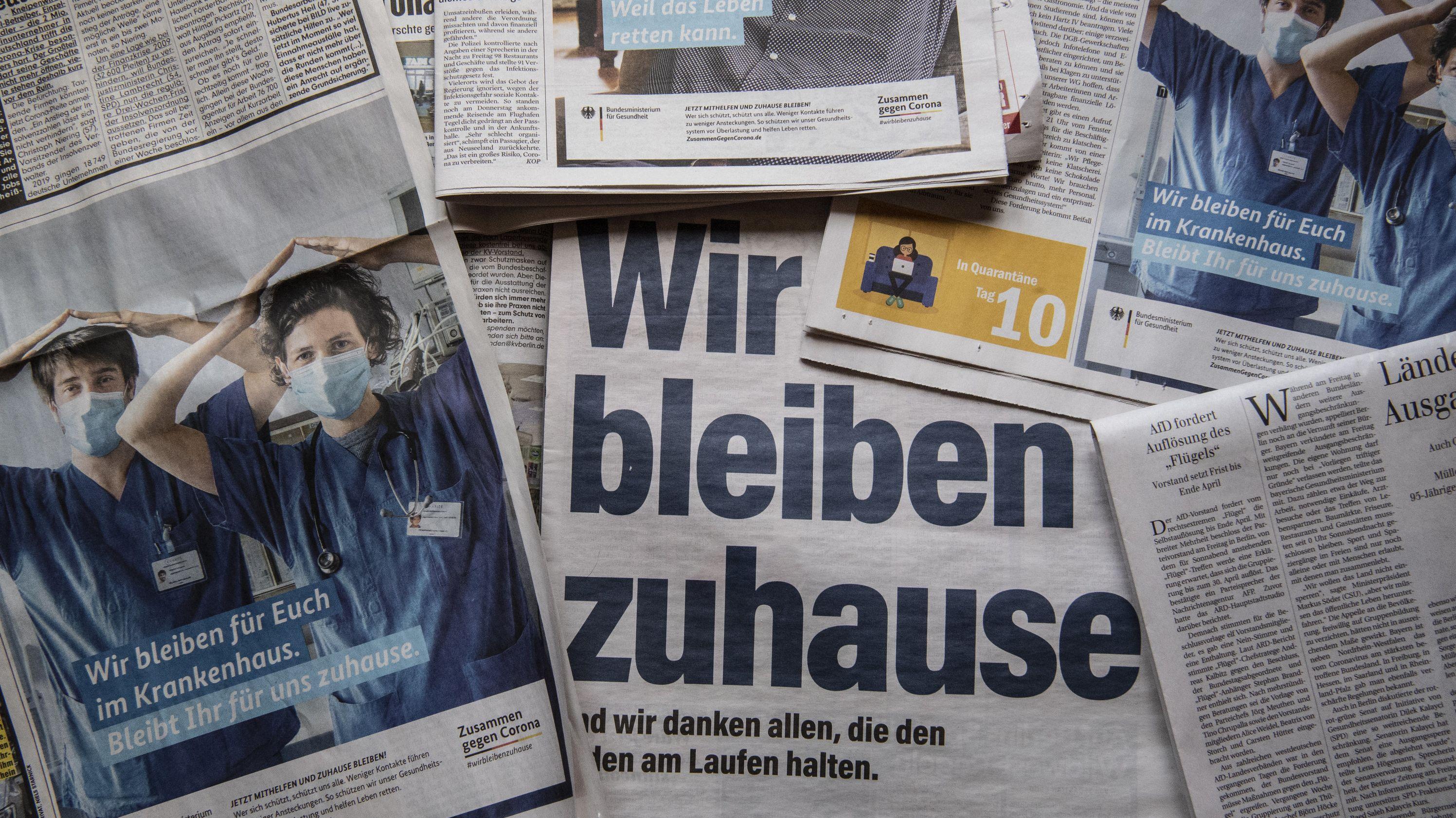 """Verschiedene Zeitungsausschnitte zum Thema """"Coronapandemie"""""""