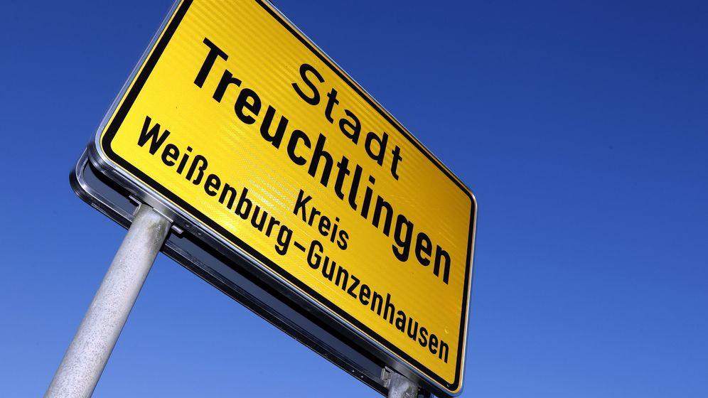 Ortsschild Treuchtlingen | Bild:dpa/pa/Matthias Schrader