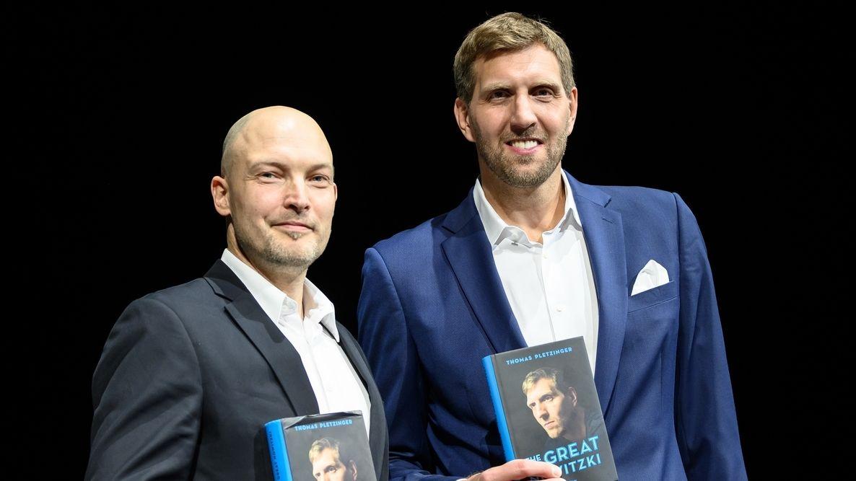 Dirk Nowitzki (r.) und Thomas Pletzinger