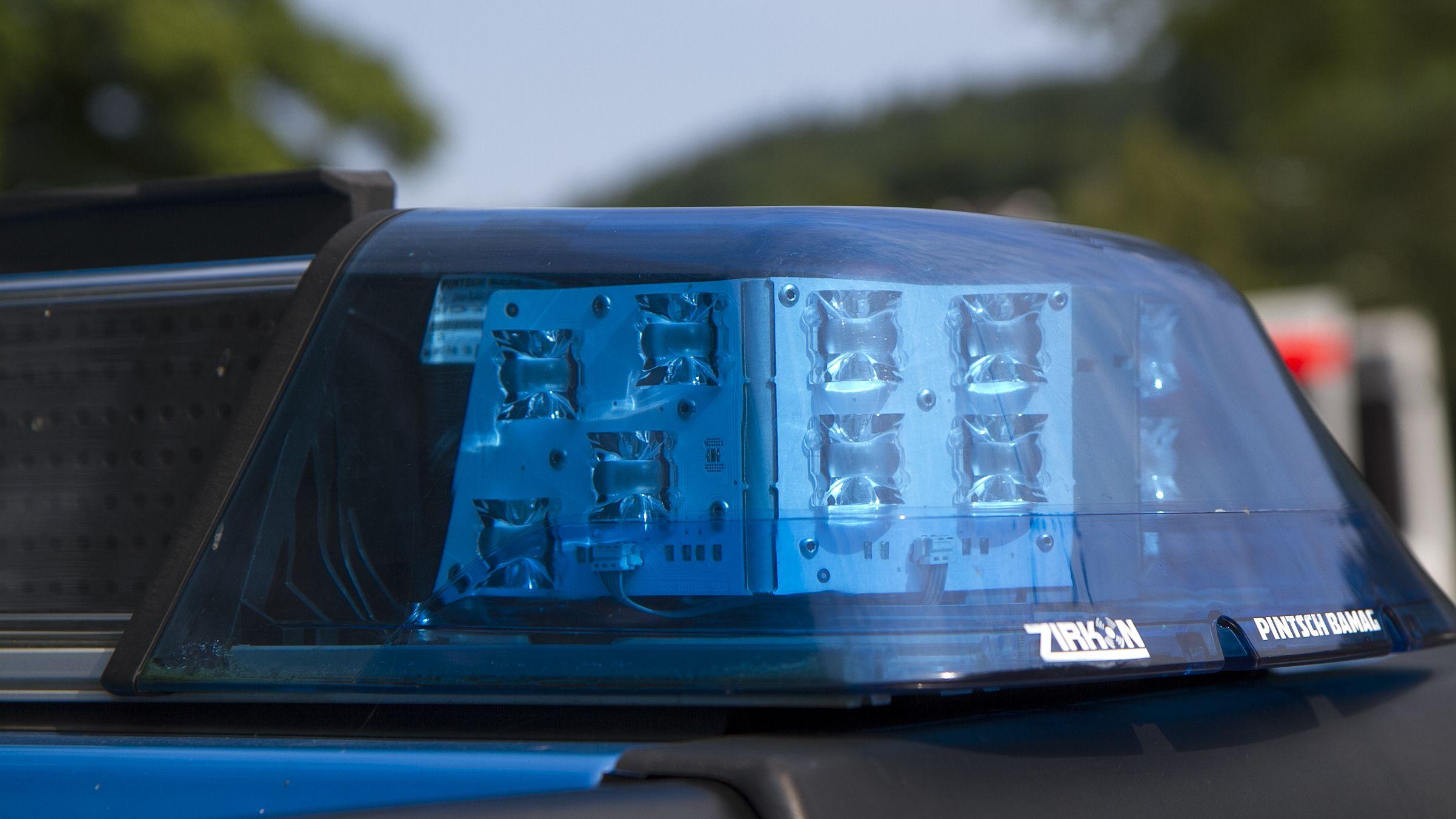 Polizeiauto bei einem Einsatz (Symbolbild)
