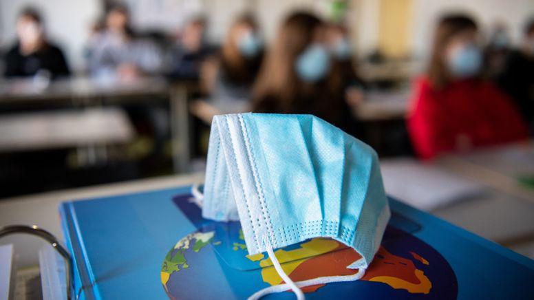 Unterricht in einer Schulklasse | Bild:dpa-Bildfunk