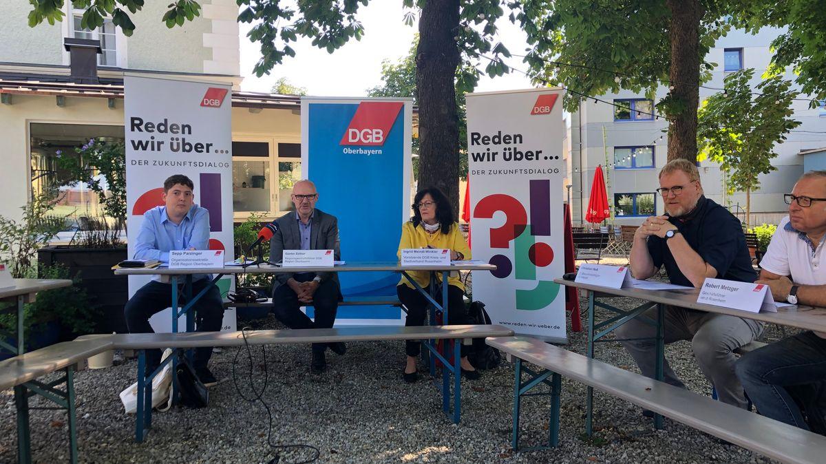 Pressekonferenz der Gewerkschaften DGB und verdi in Rosenheim