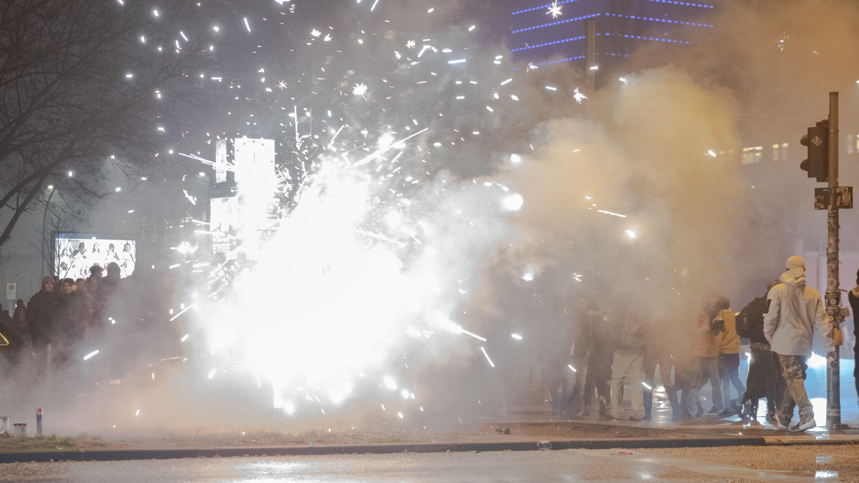 Böller und Raketen verursachen Feinstaub (Symbolbild, Berlin)