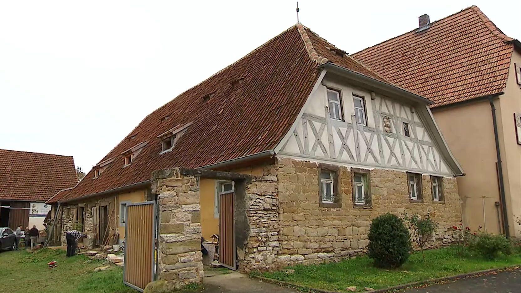 Ein altes Fachwerkhaus in Herlheim im Landkreis Schweinfurt