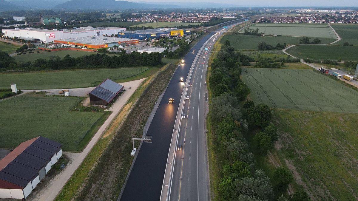 Belagsarbeiten auf der A3 bei Regensburg