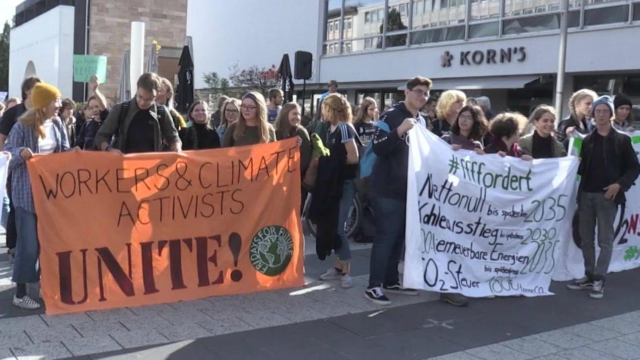 Klimaaktivisten protestieren in Nürnberg