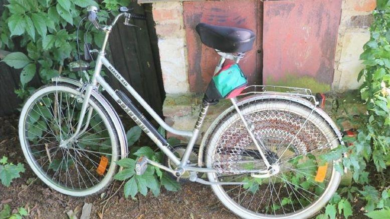 Dieses Fahrrad hatte der mutmaßliche Täter dabei, als er in Tschechien gefasst wurde.