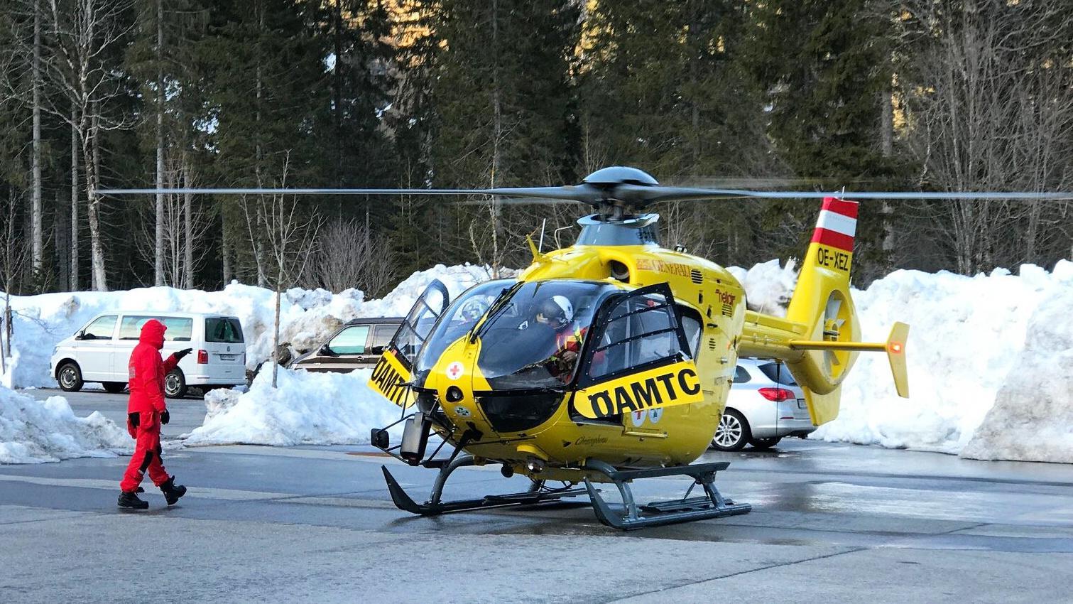 Hubschrauber beim Einsatz in Reutte
