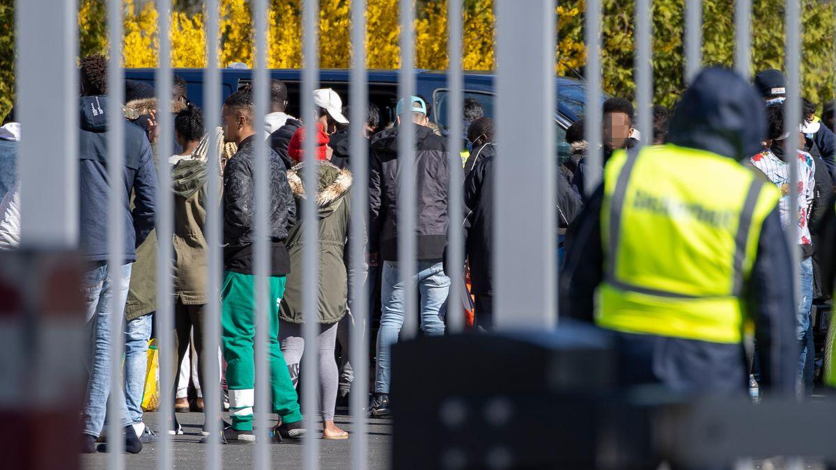 Migranten im Ankerzentrum Geldersheim