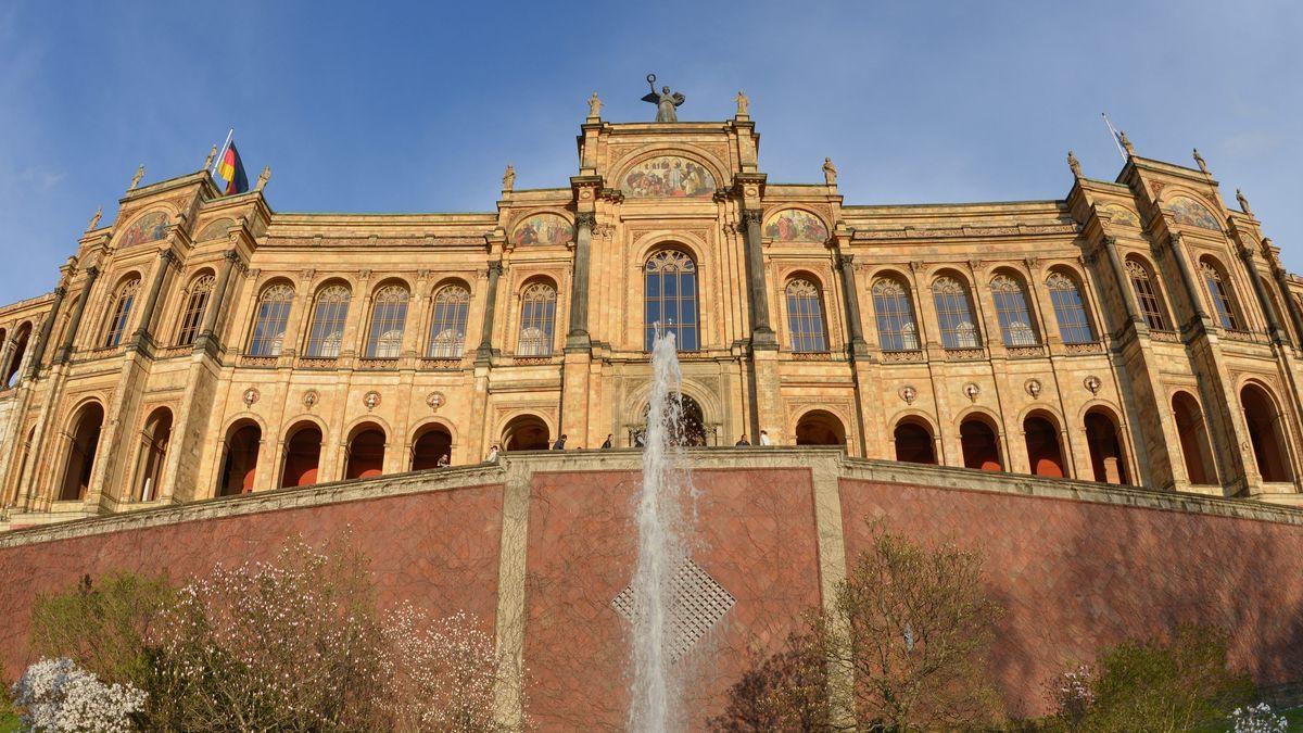 Das Maximilianeum in München