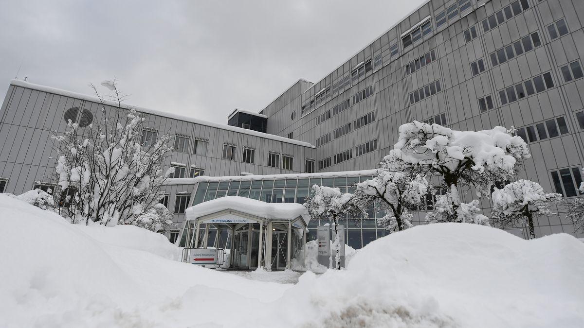 Der Eingang des Klinikums Garmisch-Partenkirchen.