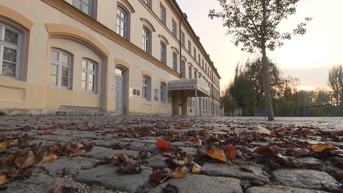 Sanierungsbedürftiges Stadttheater Landshut.