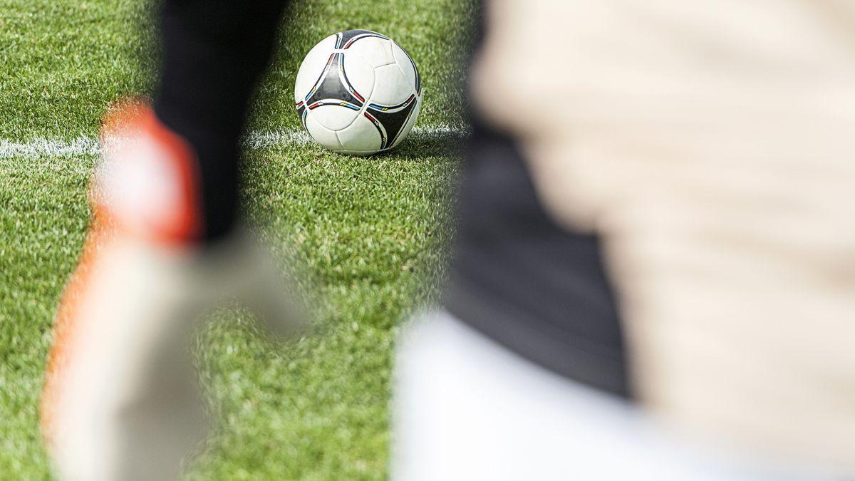 Fußball und Torwart