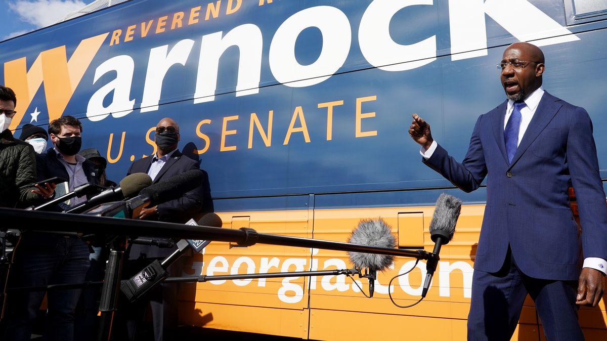Der demokratische Kandidat Raphael Warnock bei seinem letzten Wahlkampftermin