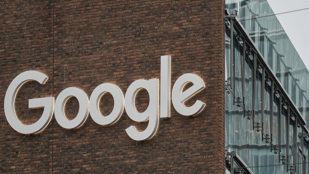 Blick auf die Fassade eines Gebäudes der Google-Zentrale in Dublin