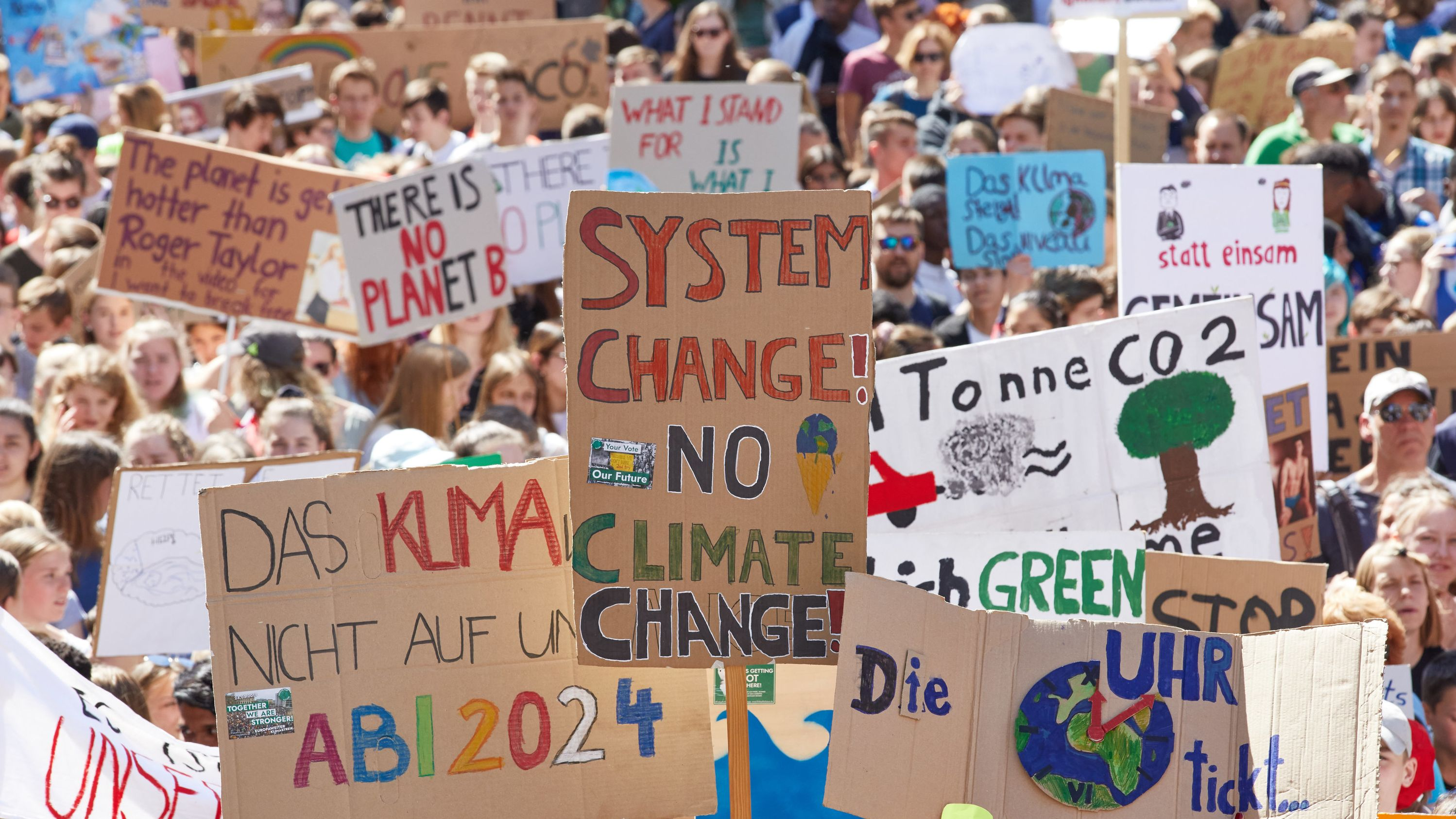 "Teilnehmer der Demonstration ""Fridays for Future"" vom 14.6.2019 in Hamburg"