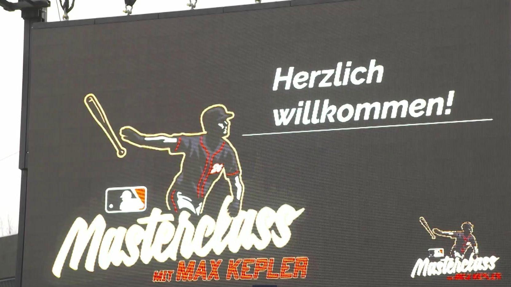 Willkommens-Schild für Max Kepler in Regensburg