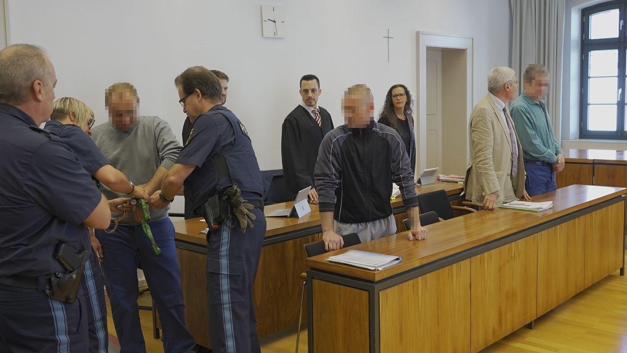Das Landgericht Memmingen hat einen Mann wegen schwerer Körperverletzung mit Todesfolge  zu einer Gefängnisstrafe von zehn Jahren verurteilt.