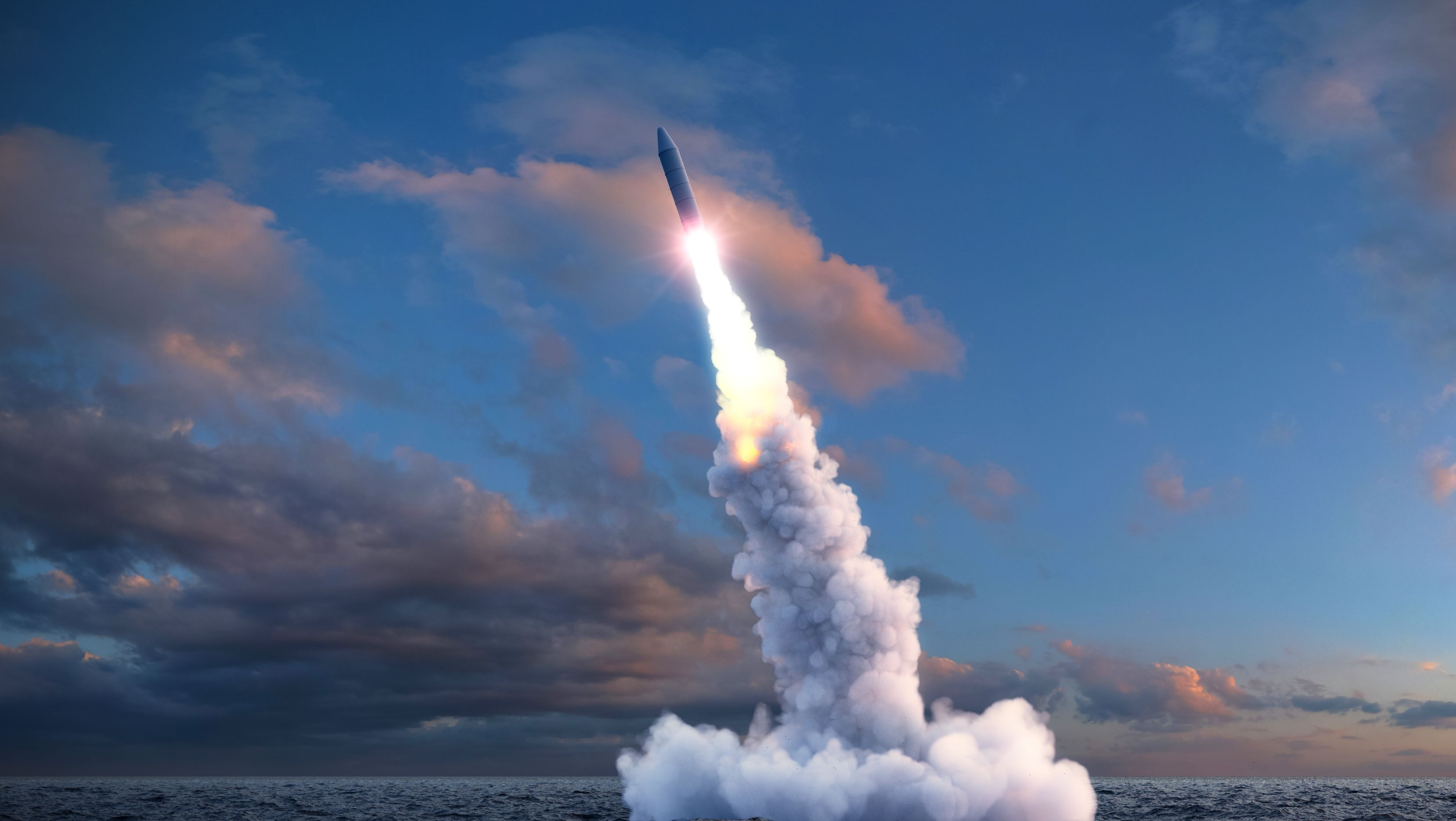 Atomrakete über dem Meer