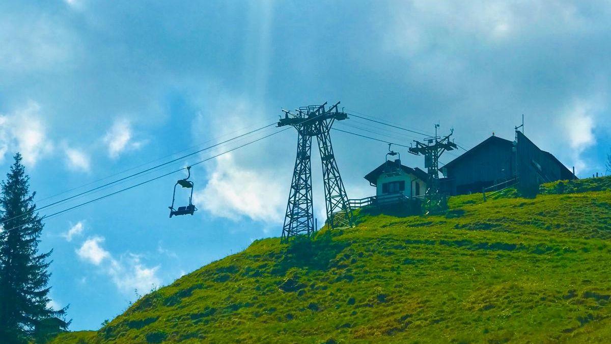 Die Sesselbahn aufs Hörnle unterhalb der Bergstation.