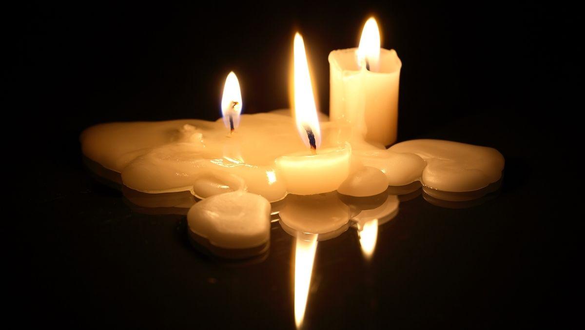 Abgebrannte Kerzen (Symbolbild)