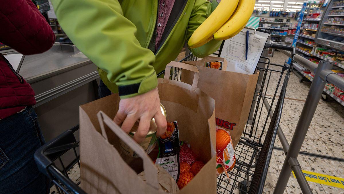 Symbolbild: Ein Einkauf im Supermarkt