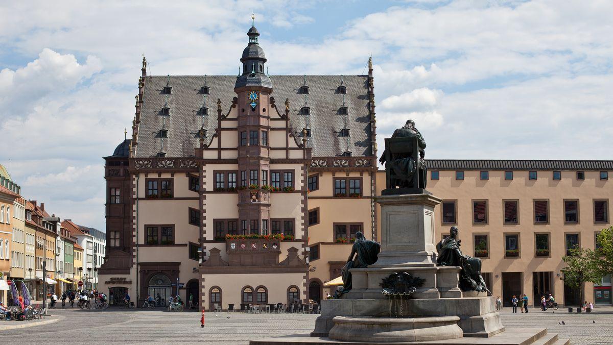 Schweinfurt, Rathaus und Marktplatz