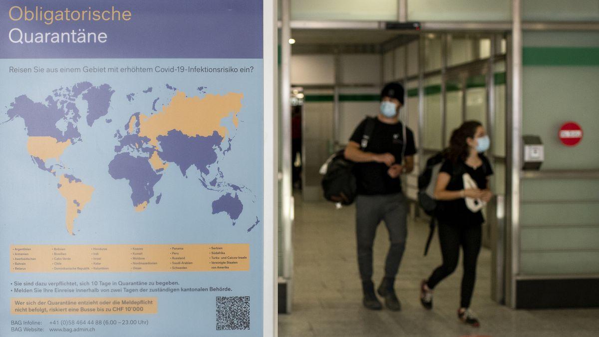 Symbolfoto: Weltkarte mit unterschiedlichen markierten Ländern in Sachen Einreisemöglichkeiten