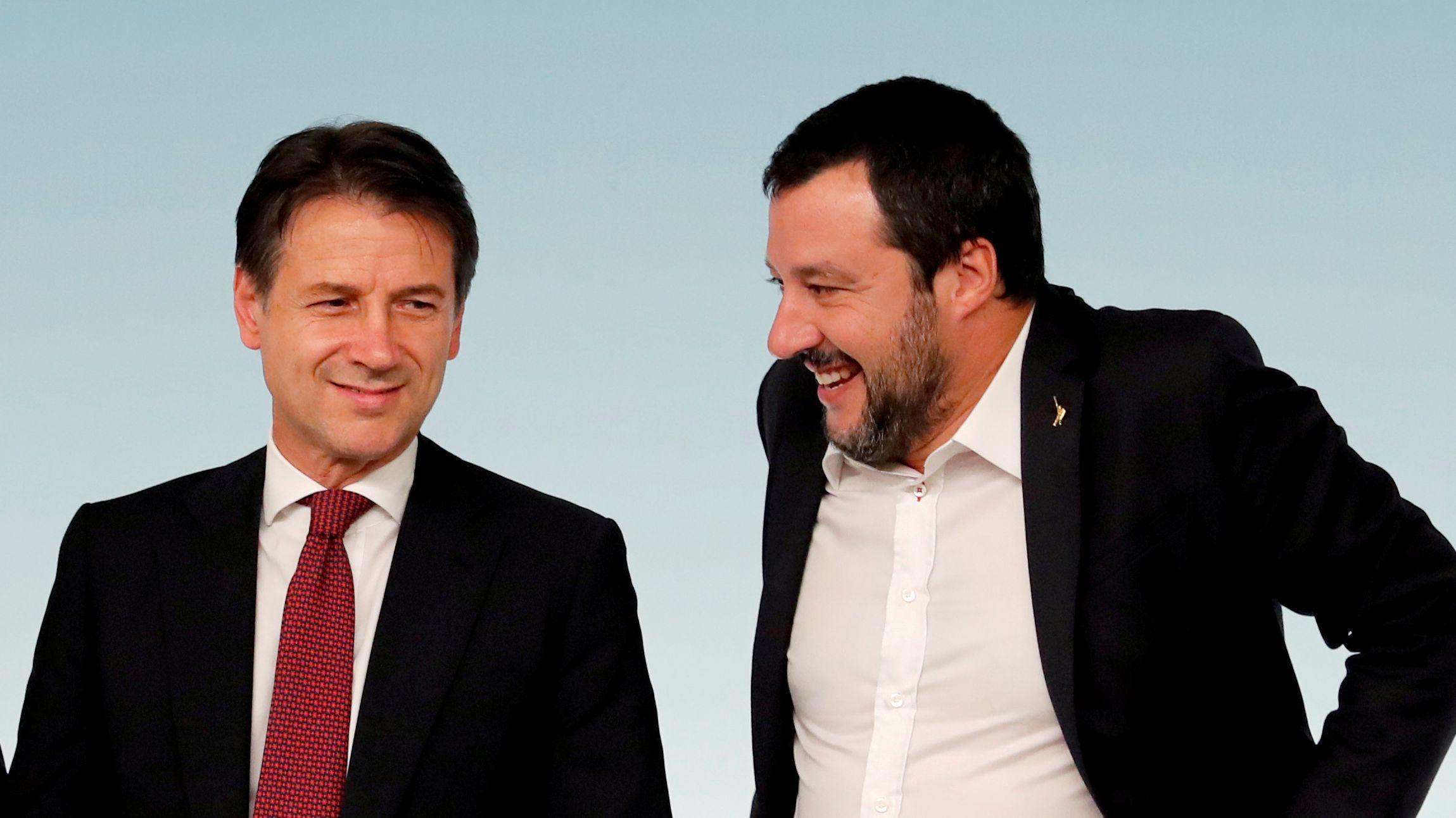 Italien: Ministerpräsident Giuseppe Conte und  Innenminister und Vize-Premier Matteo Salvini