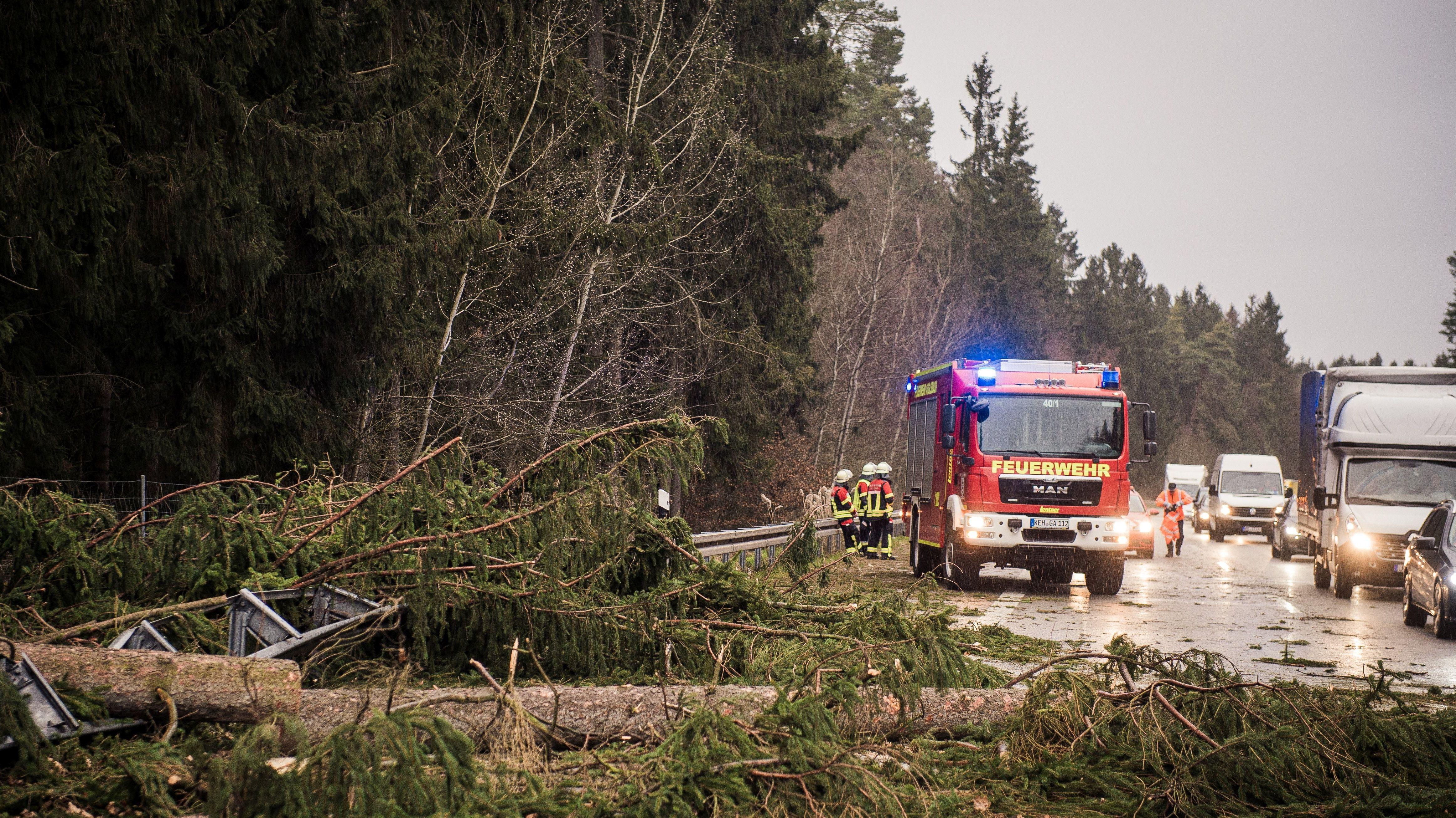 Die Feuerwehr in Abensberg (Lkr. Kelheim) im Dauereinsatz