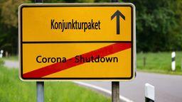 Ortsschild mit Aufschrift Konjunkturpaket | Bild:picture alliance