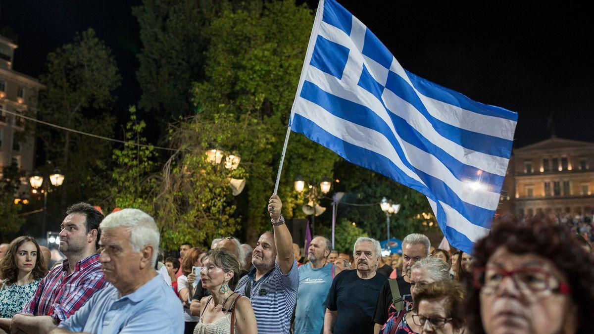 Unterstützer des griechischen Premierminister Alexis Tsipras bei einer Kundgebung