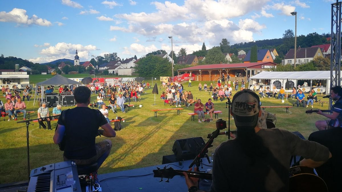 Corona-Konzert der Dorfrocker in Zeitlofs