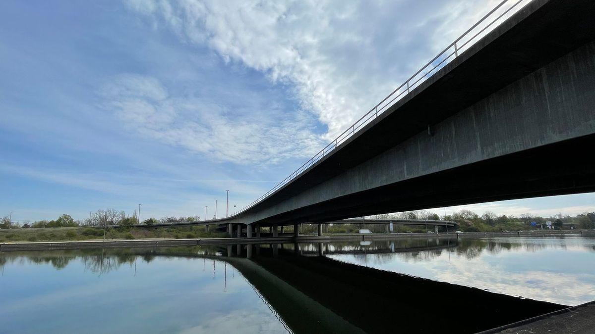 Brücke im Bereich des Nürnberger Hafens