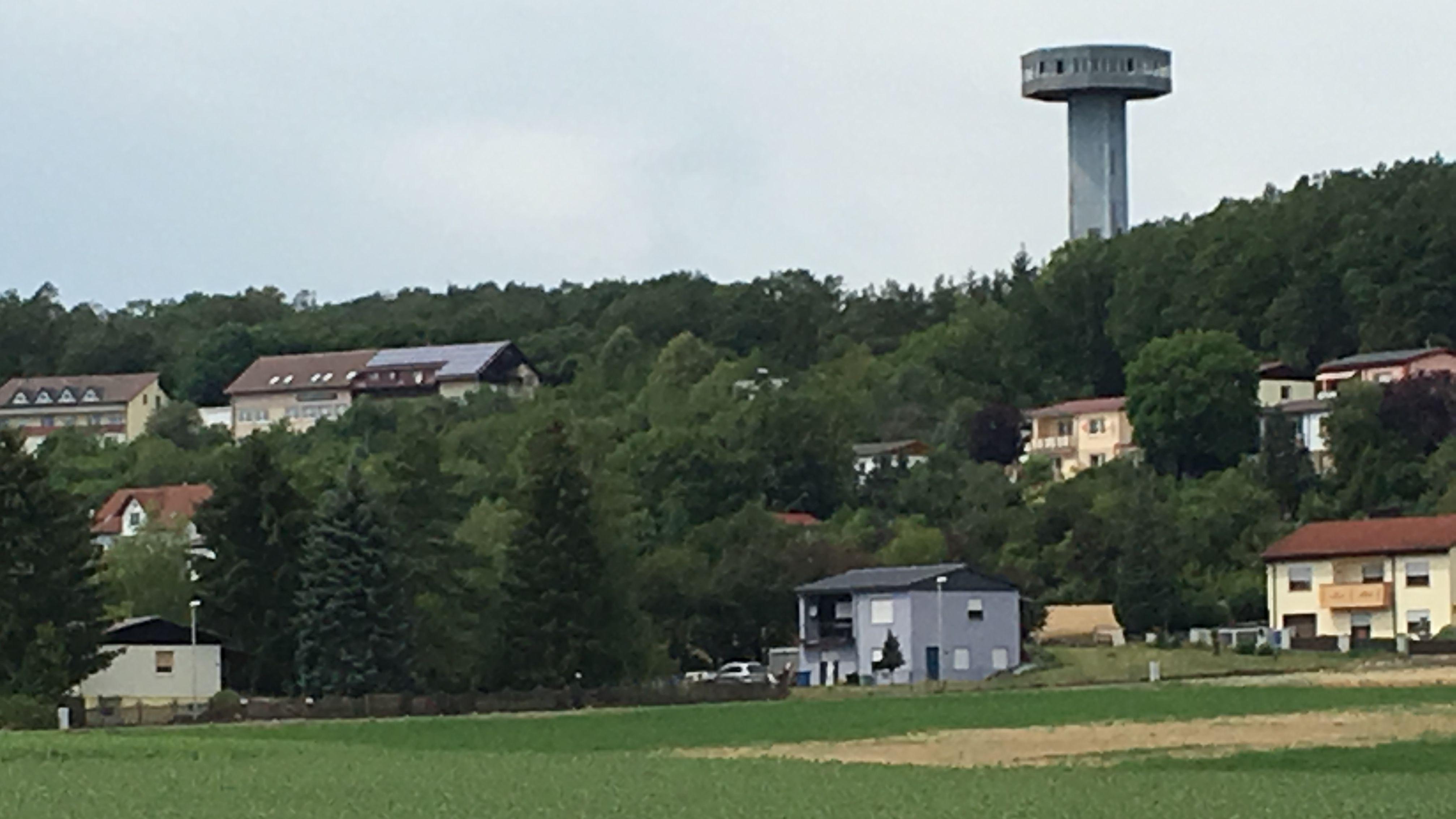 """Der """"Bayernturm"""" bei Zimmerau"""