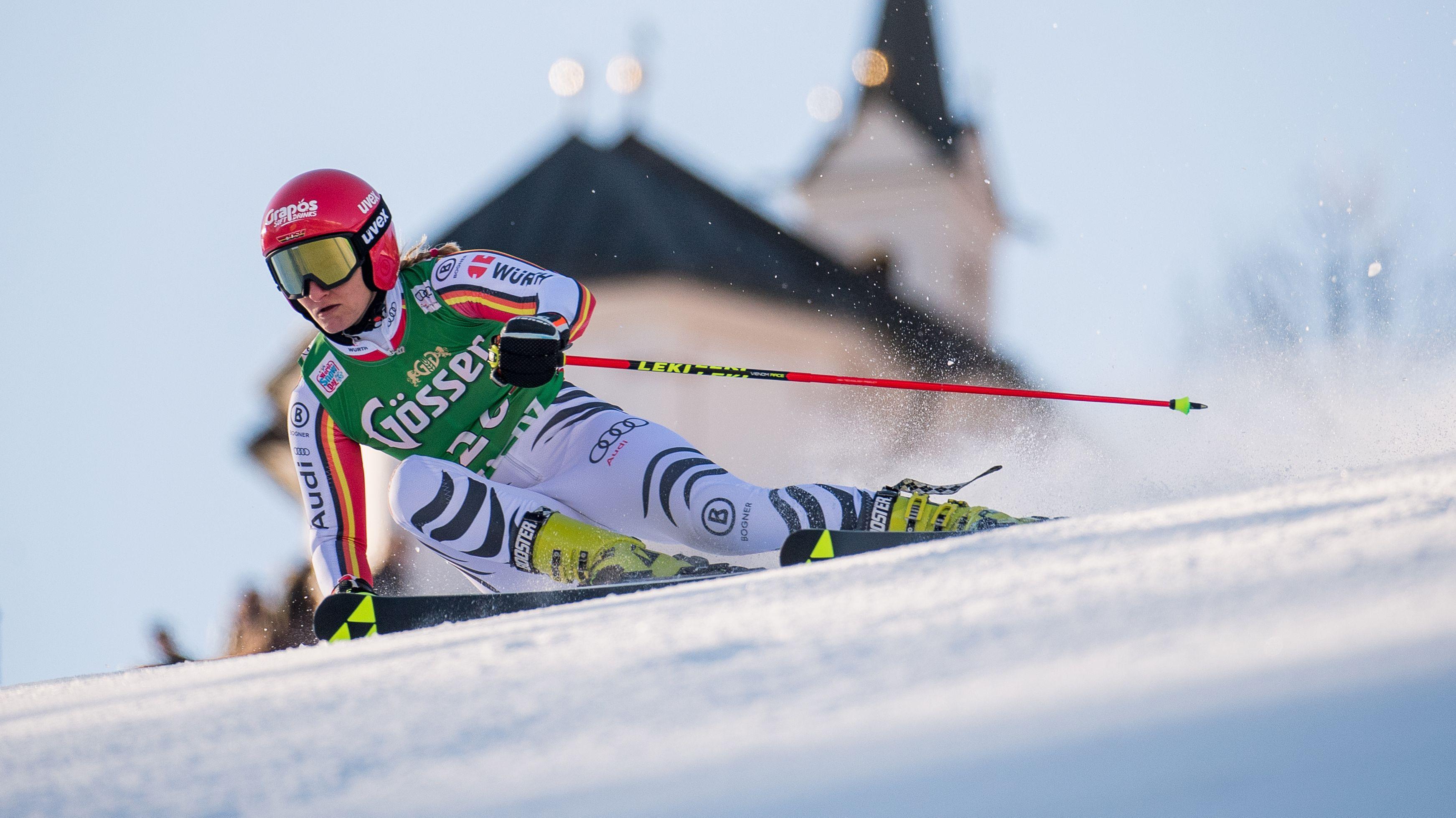 Skirennfahrerin MarleneSchmotz auf der Piste