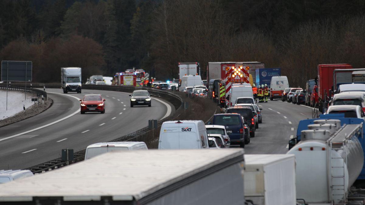 Der Geisterfahrer-Unfall führte zu einem langen Stau.