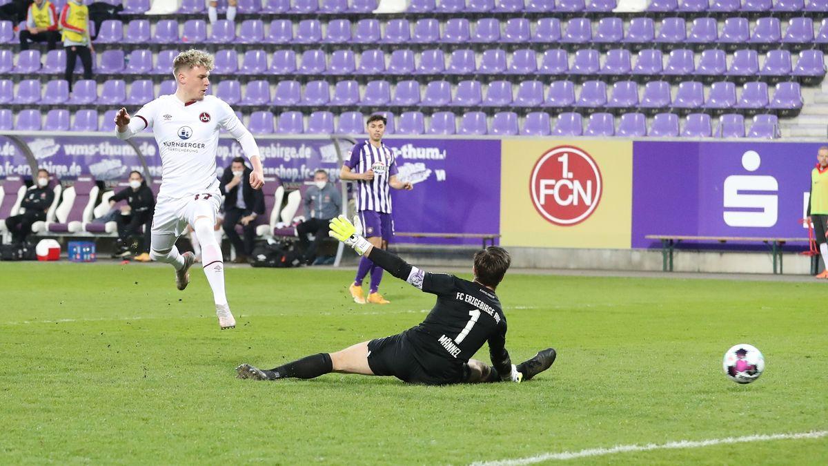Joker Robin Hack trifft zum 1:0 für Nürnberg