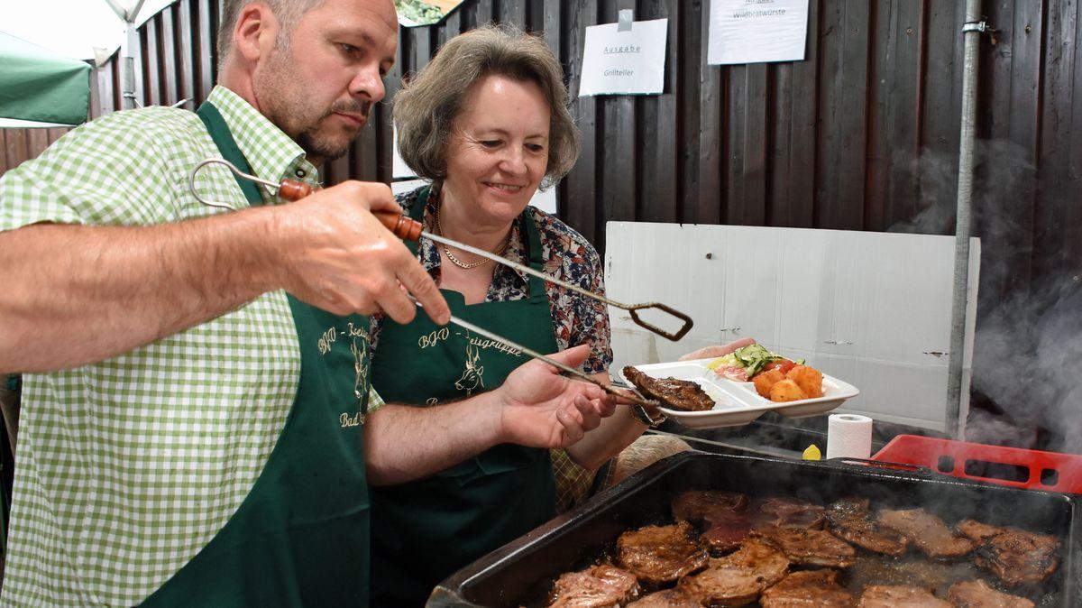 Verwenden kann man Wildfleisch auch zum Grillen.