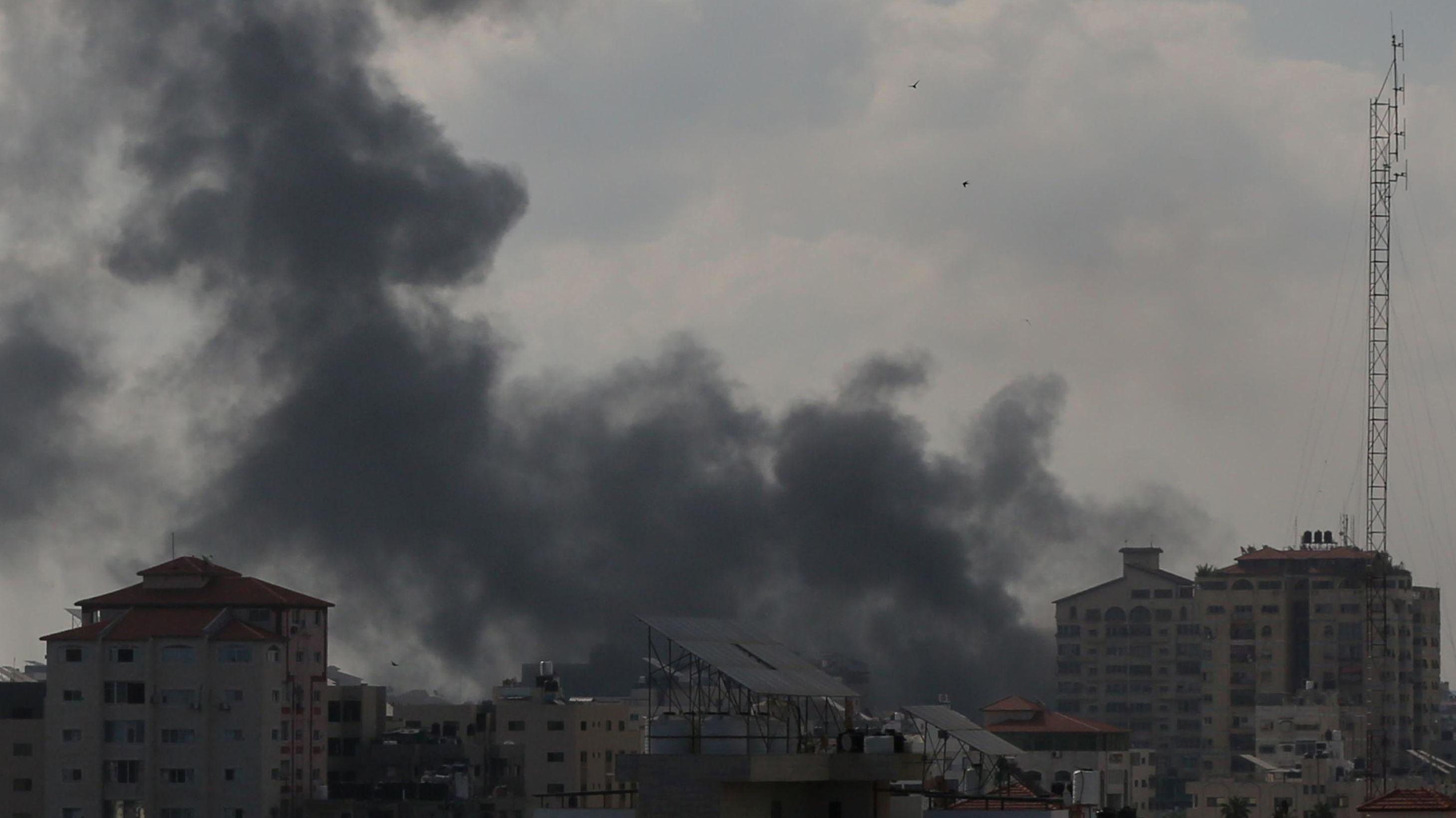 Die israelische Armee beschießt weiter den Gaza-Streifen. Auch Panzerabwehrtrupps der Hamas wurden angegriffen.