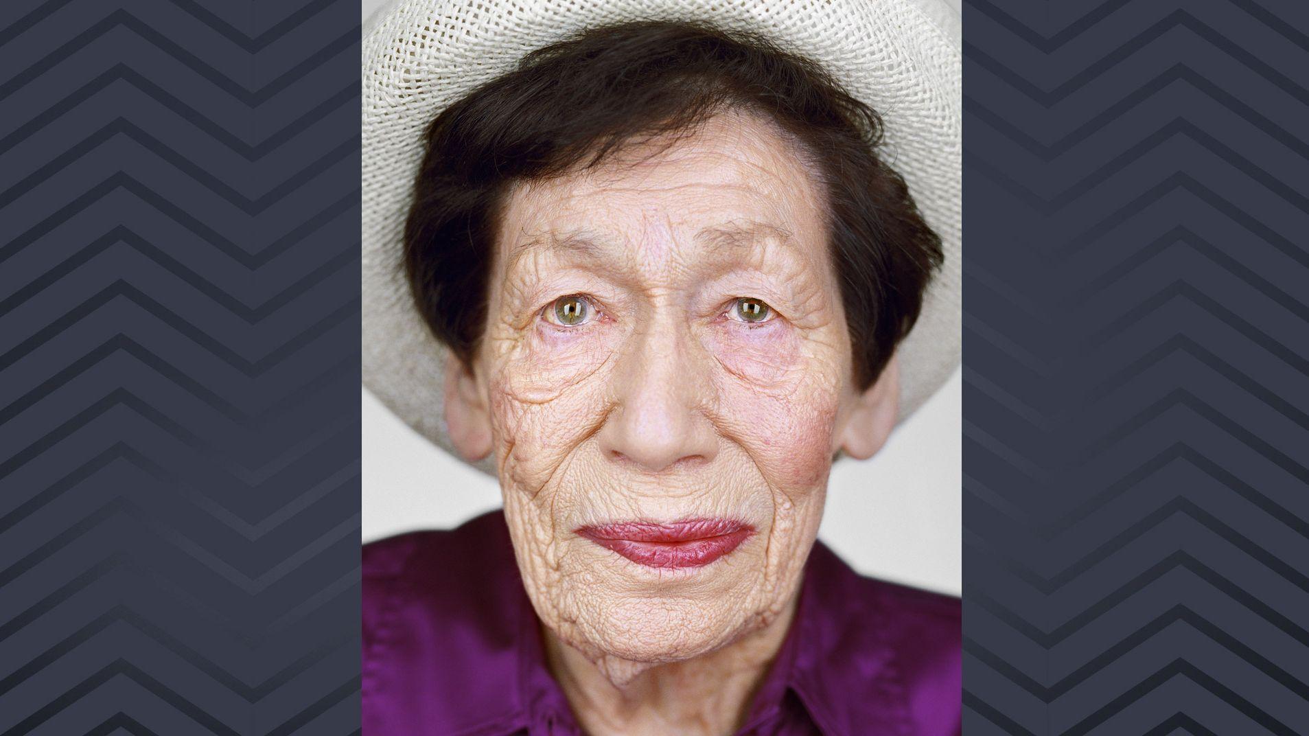 Porträtaufnahme der Holocaust-Überlebenden Hannah Goslar Pick